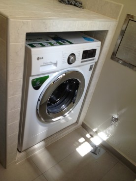 The 8kg washing machine finally in it's place. Really, we don't even have space to hang 8kg of clothes.